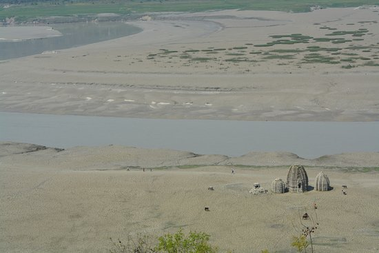 Bilaspur, Inde : Ancient Temples in Govind Sagar lake
