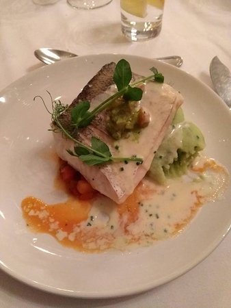 Rathnew, Ireland: Grilled Hake, a definite winner. Cooked to perfection.