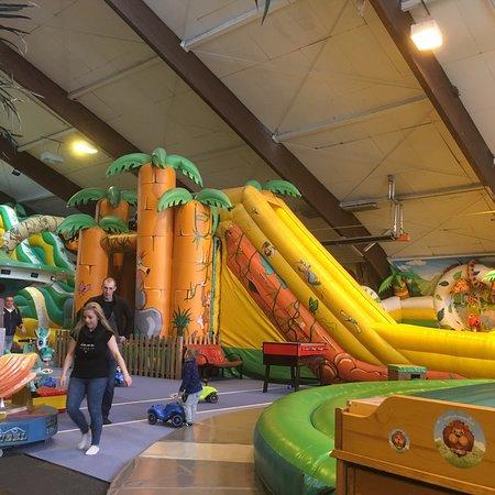 Leopark der Indoorspielplatz Indoorhalle in 8770 St. Michael