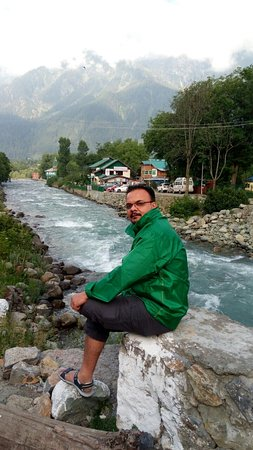 Amarnath Yatra, Indien: In front of river Leader, Pehalgam