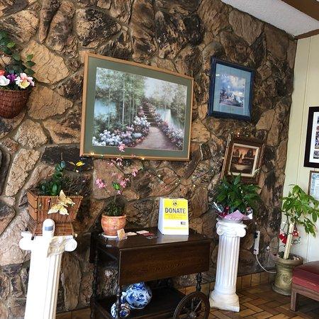 Lemon Grove, CA: Anna's Family Restaurant