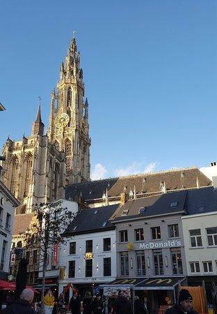 Liebfrauenkathedrale (Onze-Lieve-Vrouwekathedraal): Stunning