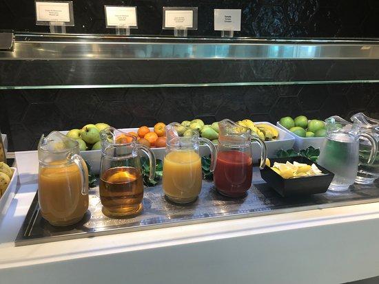 Santa Mónica Suites Hotel: Frühstücksbuffet