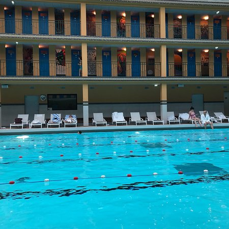 Piscine molitor paris 2018 all you need to know before for Piscine molitor restaurant