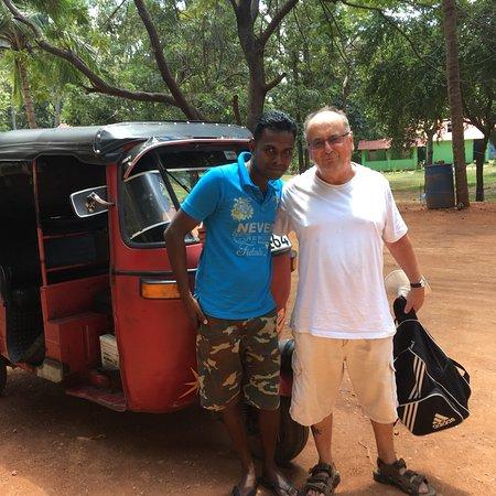 Ravi Taxi Service