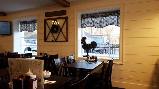Glastonbury, CT: Dining Area