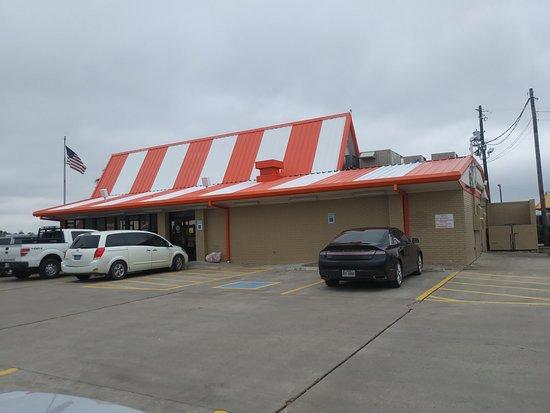 Edna, Teksas: Building