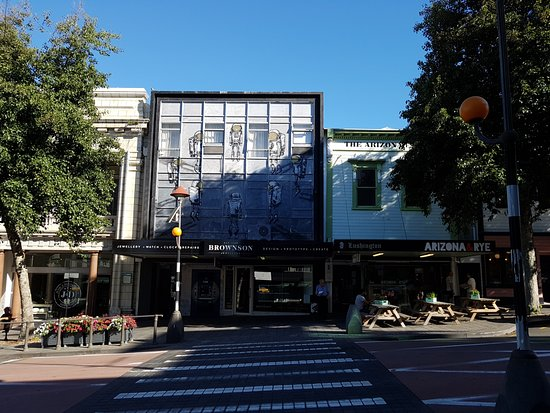 New Plymouth, نيوزيلندا: West End Precinct 