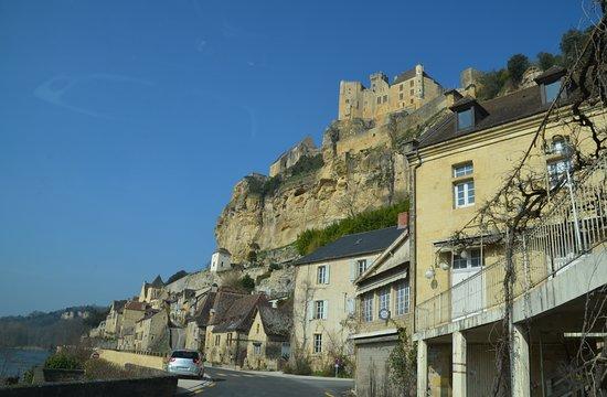 Chateau de Beynac: vue d en bas