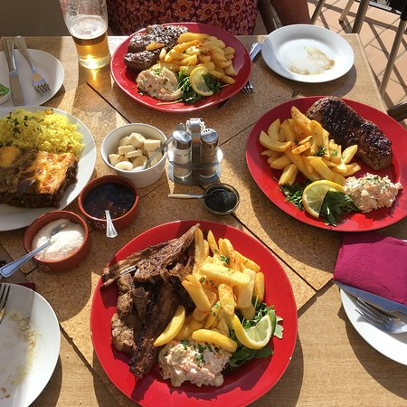 Espiche, Portugal: Fab lunch, steaks and lamb and Bobotie!