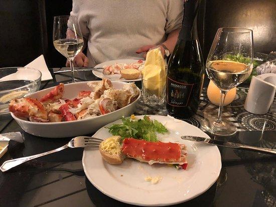 Batsfjord, Норвегия: Dagens fangst av kongekrabbe laget til middag