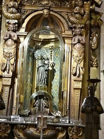 Basilica de la Mare de Deu de LLuc: Virgen del Lluc.