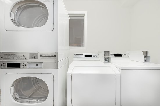 Midwest City, OK : Guest Laundry