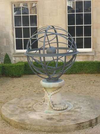 Admiral Arthur Phillip Memorial Globe