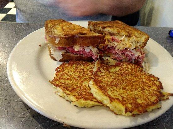 Wexford, PA: Murray Avenue Reuben and Potatoe Pancakes