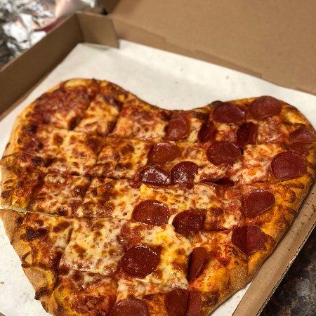 Chicopee, ماساتشوستس: Falls Pizza