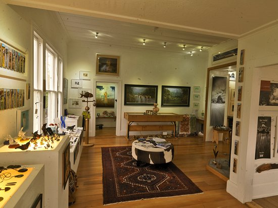 Waipawa, New Zealand: Artmosphere Gallery Room1