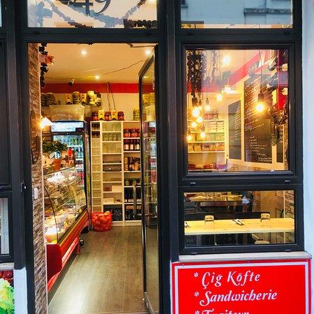 Le mezze du chef cig kofte vinaigriers paris canal saint martin restaurant avis num ro de - Restaurant rue des vinaigriers ...