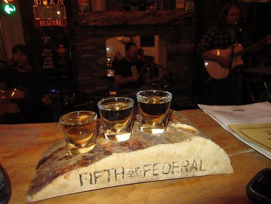 Fifth & Federal Station : Bourbon flights