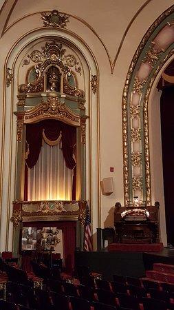Miami, OK: The theater and organ