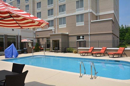 Pool picture of hilton garden inn greenville greenville tripadvisor for Hilton garden inn greenville sc
