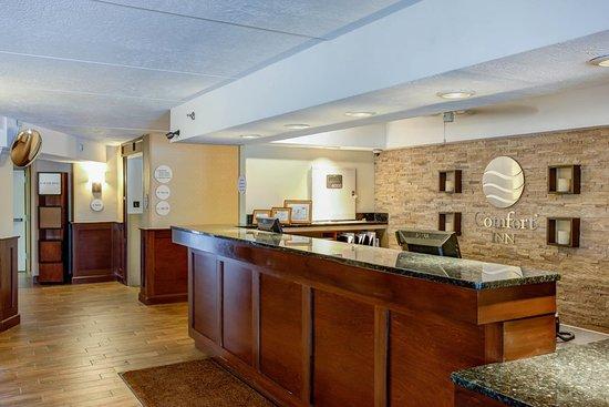 Comfort Inn Bangor: Lobby