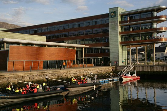 Ulsteinvik, Νορβηγία: Exterior