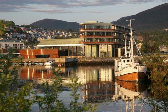 Ulsteinvik, Norvegia: Exterior