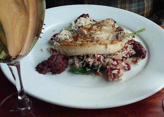Plum Island Grille: Grilled fish
