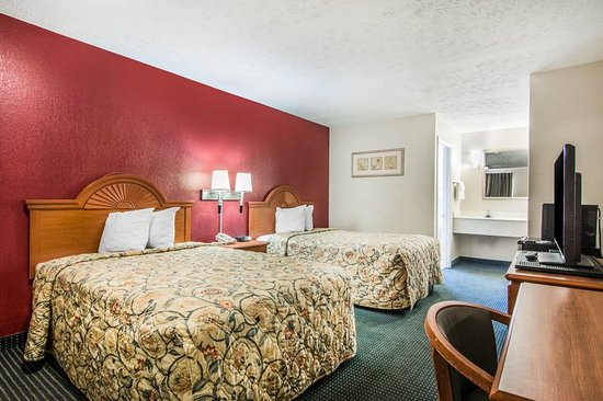 LaGrange, GA: Guest room