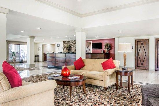 Rodeway Inn: Lobby