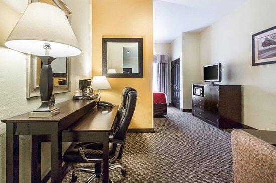 Clinton, SC: Guest room