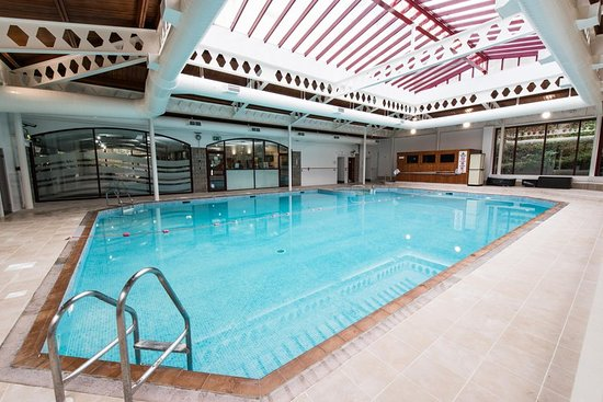 Pool picture of doubletree by hilton aberdeen treetops aberdeen tripadvisor for Hilton doubletree aberdeen swimming pool