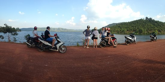 Kampot, Kamboja: Great trails, stunning view of the Secret lake.