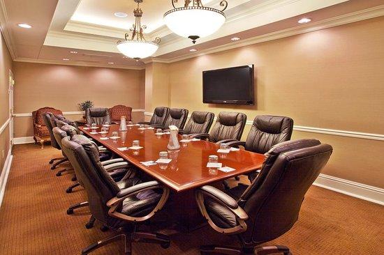 Holiday Inn Express Savannah - Historic District : Meeting room