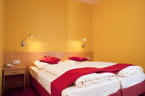 Salmdorf, Germany: Guest room