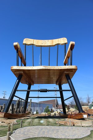 world\'s largest rocking chair World's Largest Rocking Chair   Picture of World's Largest Rocking  world\'s largest rocking chair