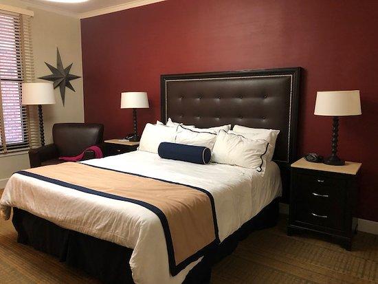 Marines Memorial Club Hotel