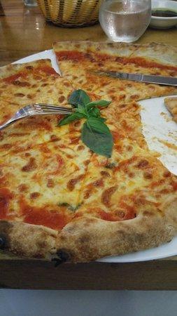 Limoncello Pizza and Grill: Pizza ottima!