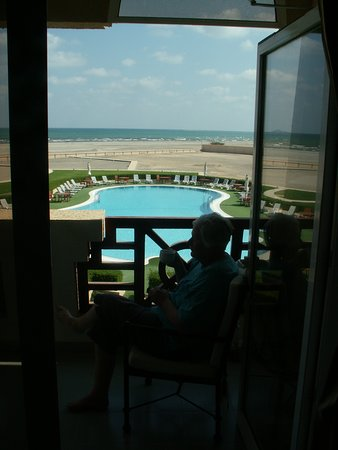 Masirah Island, Oman: the pool and the beach