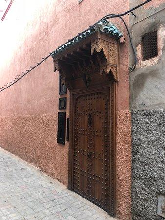 Riad Asrari: Discreet entrance