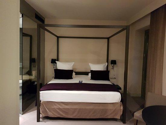 Radisson Blu Hotel, Madrid Prado: 20180220_191646_large.jpg