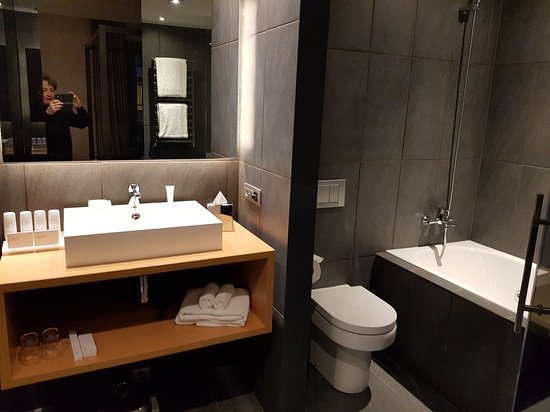 Radisson Blu Hotel, Madrid Prado: 20180220_191652_large.jpg