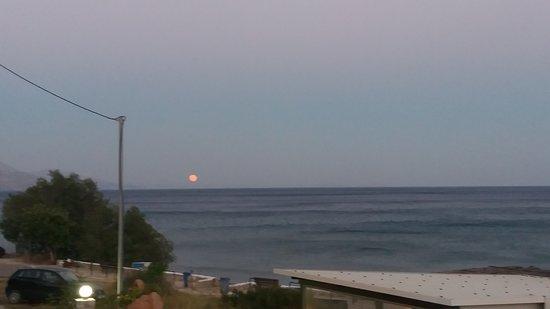 Rodakino, Grækenland: Με θέα την πανσέληνο