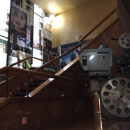 Avenida 5 cines V.O.S.