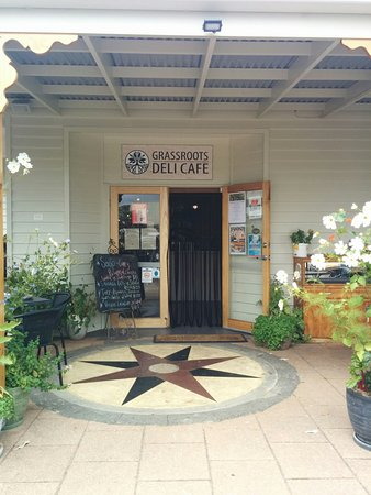 Grassroots Cafe Hours