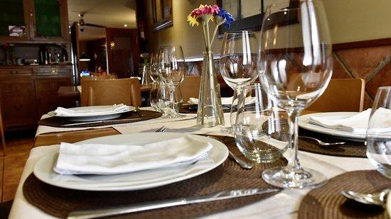 Restaurante Plata: Mesa de comedor