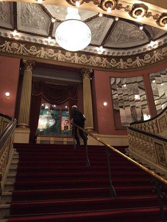 Det Ny Teater: Trappan upp till salongen