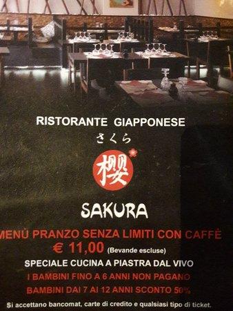 Sarezzo, Italy: Sakura