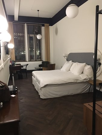 Hotel New York: chambre lit double